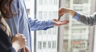 """אילוסטרציה - משכיר 4000 דירות, וטוען: """"אתם פראיירים"""""""