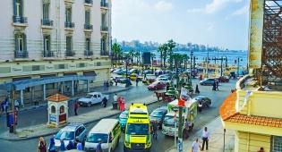העומס בכבישי אלכסנדריה - הפתרון לפקקים? שירותי מוניות על... אופנועים
