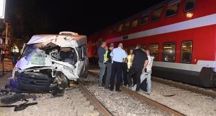 זירת התאונה - גבר נרצח, בני משפחתו נפצעו בתאונה