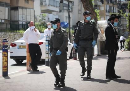 שוטרים בבני ברק, ביום שישי
