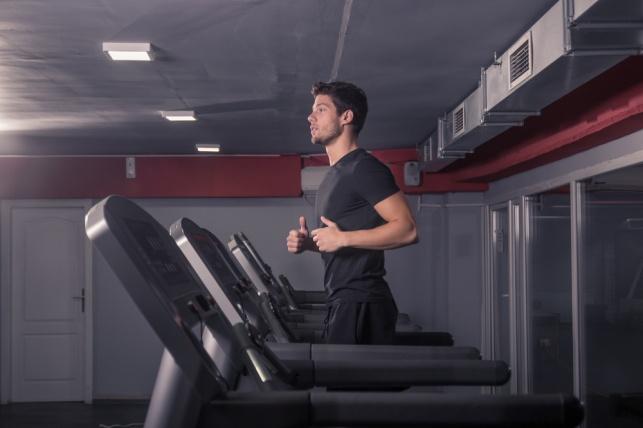 פעילות גופנית בצום: איך היא יכולה לעזור לכם לשרוף יותר שומן