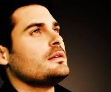 גד אלבז - אלו השירים הכי מושמעים השבוע ברדיו החרדי
