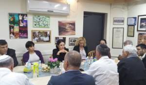 איילת שקד ביקרה בבית הכנסת בגבעת זאב