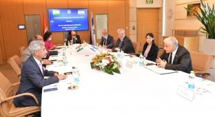 """ישראל והודו סיכמו: מו""""מ ליצירת סחר חופשי"""
