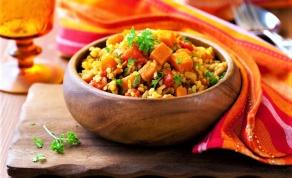 תבשיל ירקות כתומים מרוקאי - תבשיל ירקות כתומים מרוקאי שהוא ארוחה שלמה