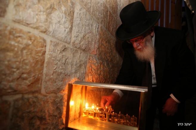 צפו: נשיא המועצת בהדלקת נרות חנוכה