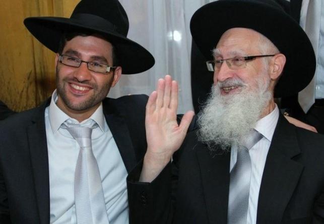 """יהונתן יוסף ואביו הגר""""י יוסף זצ""""ל"""
