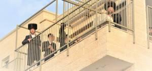 שיעור מהמרפסת בביתר עילית. ארכיון