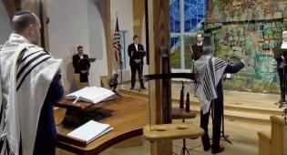 נתנאל הרשטיק והמקהלה: 'קהילות הקודש'