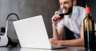 מחקר: אנשים צורכים כעת יותר אלכוהול
