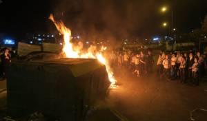 """מאות הפגינו בביתר עילית נגד סגירת ת""""תים"""