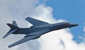 """מפציץ B-1B - מפציצים של ארה""""ב עברו מעל צפון קוריאה"""