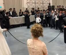 כשהרבי מאמשינוב רקד עם מוזיקה תימנית