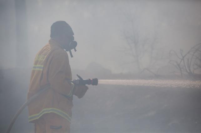 חוסר זהירות של המטיילים שרפה רכב כליל