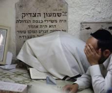 תיעוד: תפילת שחרית בציון שמעון הצדיק