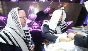 רבנים ואישי ציבור בברית לבנו של יוסף רפאלי