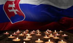 נרות זיכרון, על רקע דגל סלובקיה