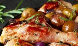 עוף ובייבי תפוחי אדמה עם פטריות אפויים ברוטב בלסמי