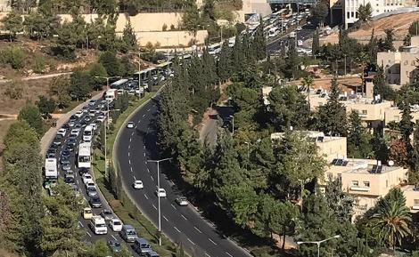 """פקק התחבורה הארוך - מתגייסים ל""""כביש רמות"""" - רוזנשטיין ודייטש"""