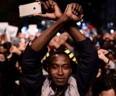 """הפגנה נגד גירוש הפליטים - """"צפון קוריאה של אפריקה"""": לכאן מגורשים הפליטים"""