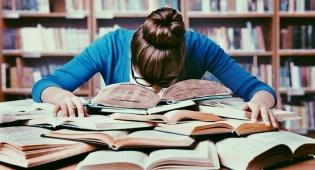 מחקר: אנשים שיודעים יותר, יצירתיים פחות