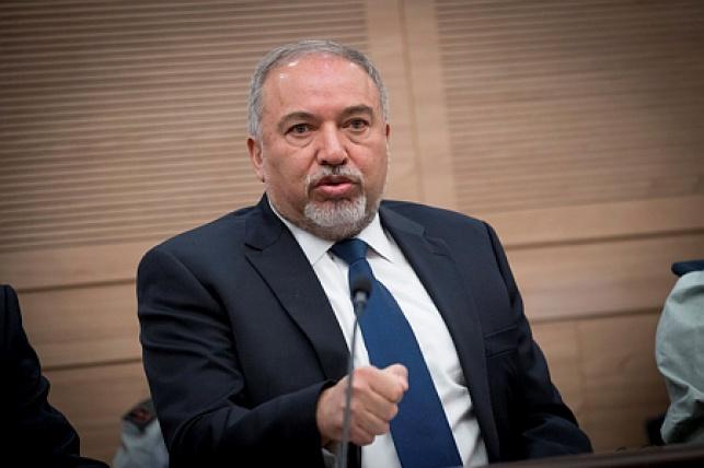 שר הביטחון ליברמן