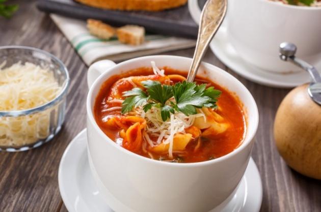 מרק טורטליני עגבניות