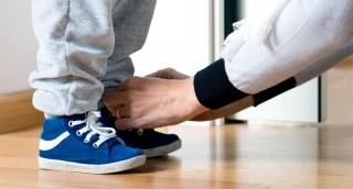 שימו לב: מצאנו טריק מדהים לניקוי נעלי זמש