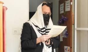 הרב בורודיאנסקי בברית בנו בבידוד