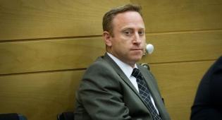 כתב אישום נגד עד המדינה בפרשות נתניהו