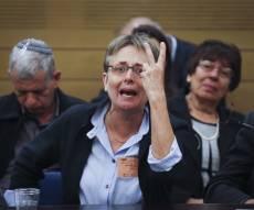 """ההתפרצות הכואבת - צפו: לאה גולדין בכתה: """"בני כבר לא גיבור"""" - וזרקה כוס מים"""