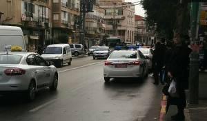 ניידות המשטרה ליד בית מרן הרב שטיינמן