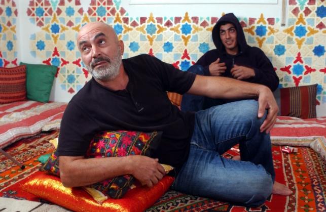 עזרא נאווי עם חבר פלסטיני. ארכיון