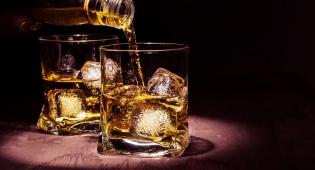 סובלים ממצוקת הדיור? שתו וויסקי