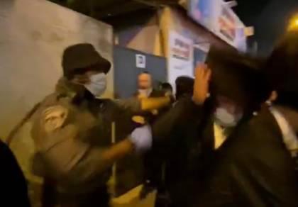 צפו: השוטר שהפך חרדי מי-ם ל'שק איגרוף'