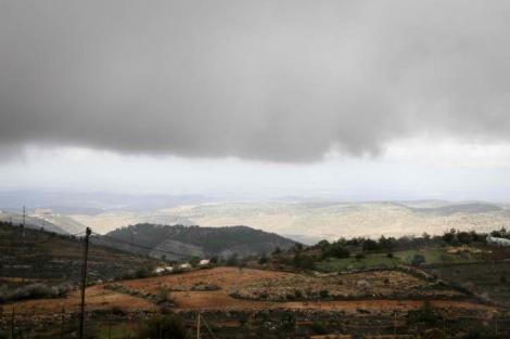 ענני גשם מעל גוש עציון - התחזית: התחממות קלה, בבוקר ייתכן טפטוף