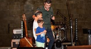 צפו: המופע ההיסטורי של ישי ריבו בקפריסין