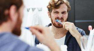 8 דברים שרופא השיניים שלך רוצה שתפסיקי לעשות