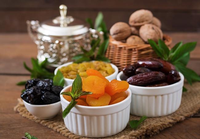 פירות יבשים ממתיקים את מנת הבשר