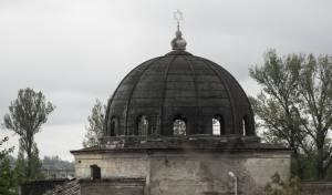 בית כנסת עתיק עומד שומם באוקראינה