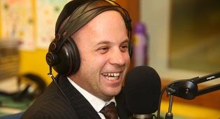 מנחם טוקר בגרסה הרדיופונית - מנחם טוקר מועמד ל'פרס האקדמיה לטלוויזיה'