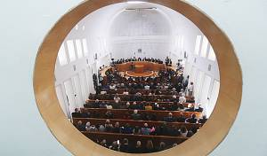 """הפרידה בביהמ""""ש העליון ממרים נאור - זעם נגד בג""""ץ: """"מנותקים מהעם"""" • התגובות"""