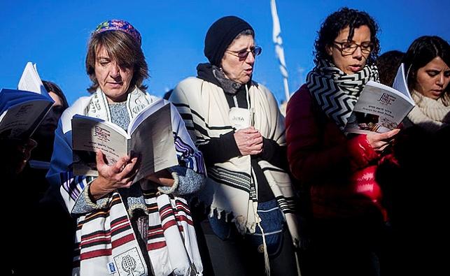 נשות הכותל, הנציגות החרדית ויתרה במודע בקרב מולן