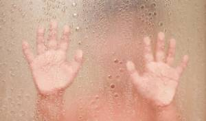 ילד במקלחת, אילוסטרציה