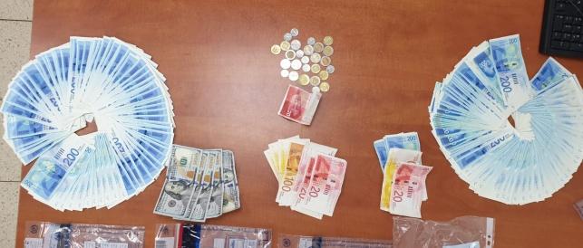 ניסו לפרוט עשרות אלפי יורו מזויפים ונתפסו