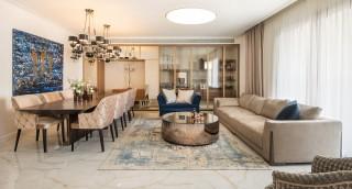 הרחבת דעת אמיתית: דירה נאה ואומנות מרהיבה