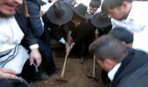 תיעוד: רבה של בני ברק נטמן בירושלים