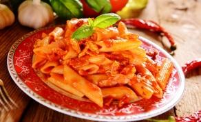 פסטה אל ארביאטה ברוטב עגבניות פיקנטי - אתם תקבעו כמה חריפה הפסטה הזו תהיה