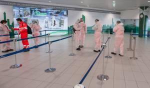 בדיקות בשדה התעופה באיטליה