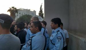 אילוסטרציה - שוטרים פרצו לבית פעיל 'הפלג הירושלמי'